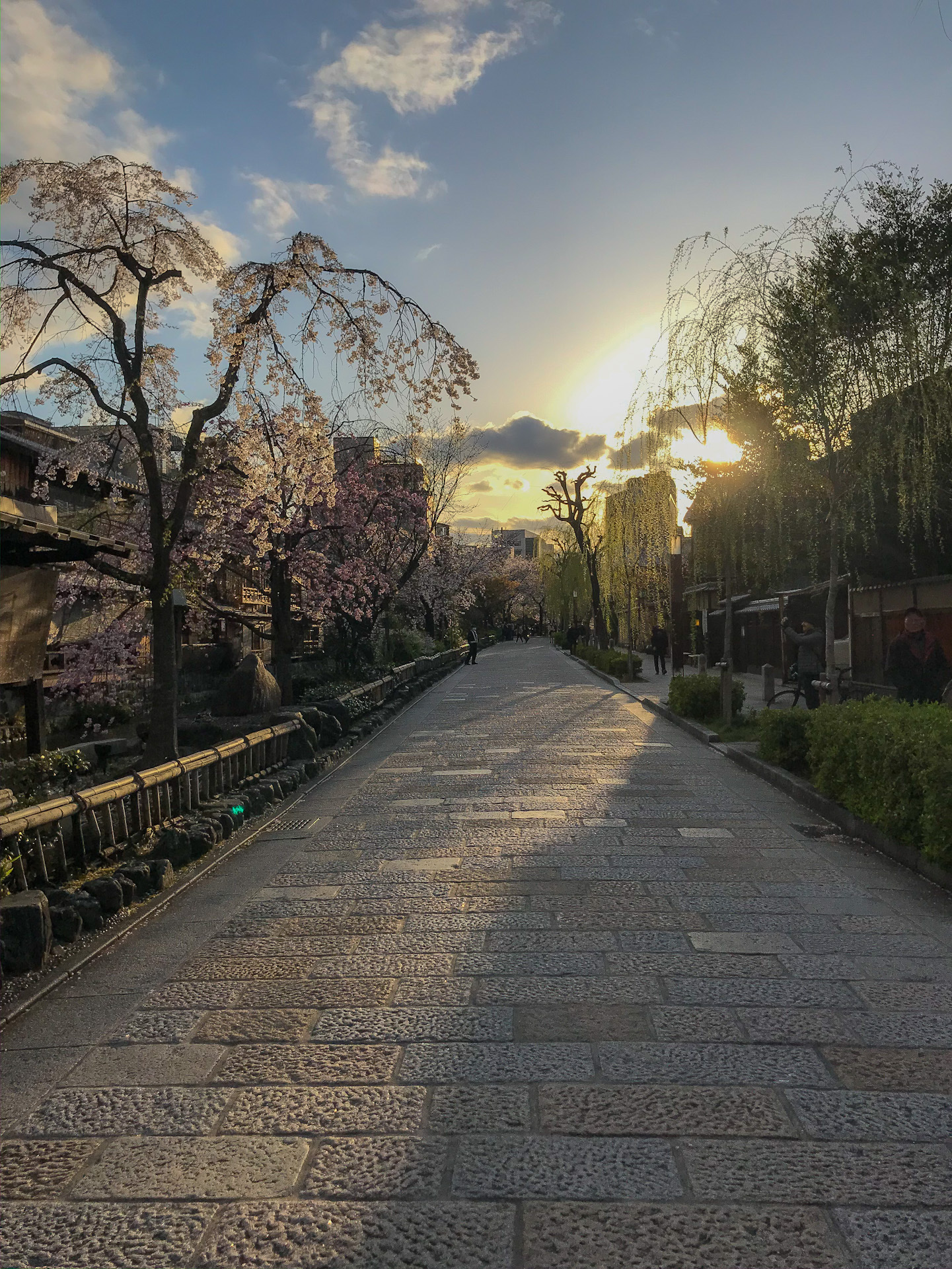 an empty street in Gion Kyoto
