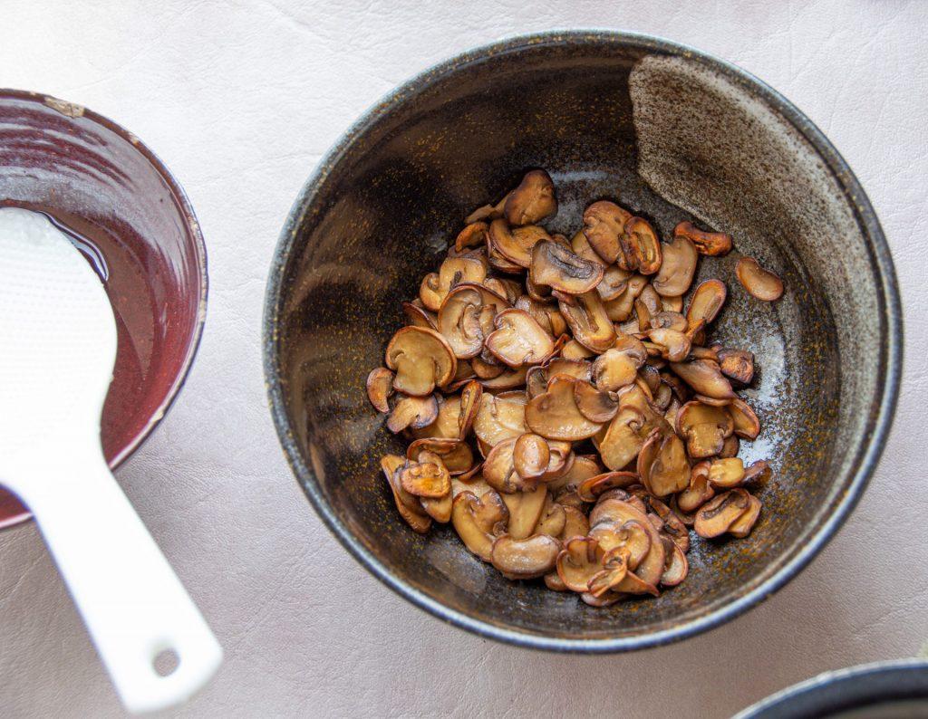פטריות אוכל יפני